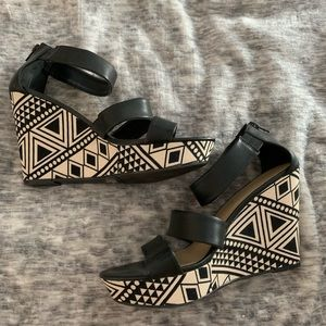 Black and White Aztec Print Wedges